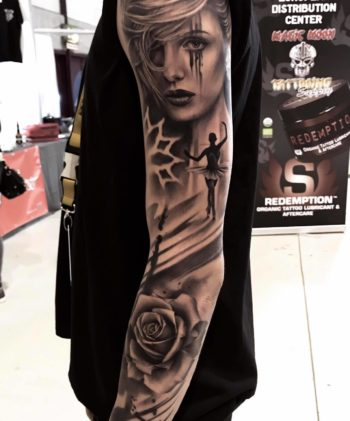 Sleeve realistic/ abstract